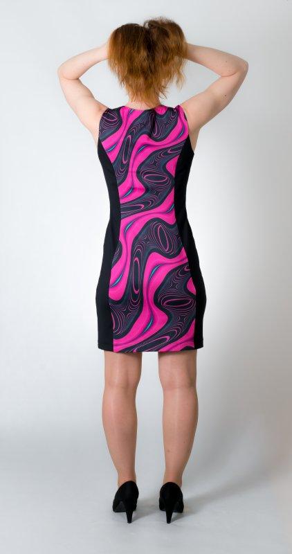 Dámské šaty Baronesa - Energizující proudy růžové zezadu