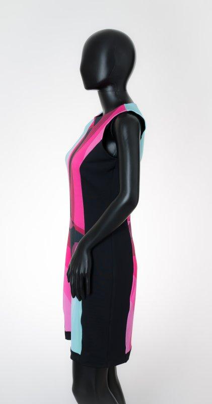 Dámské šaty Baronesa - Růžový tangens na figurině z boku